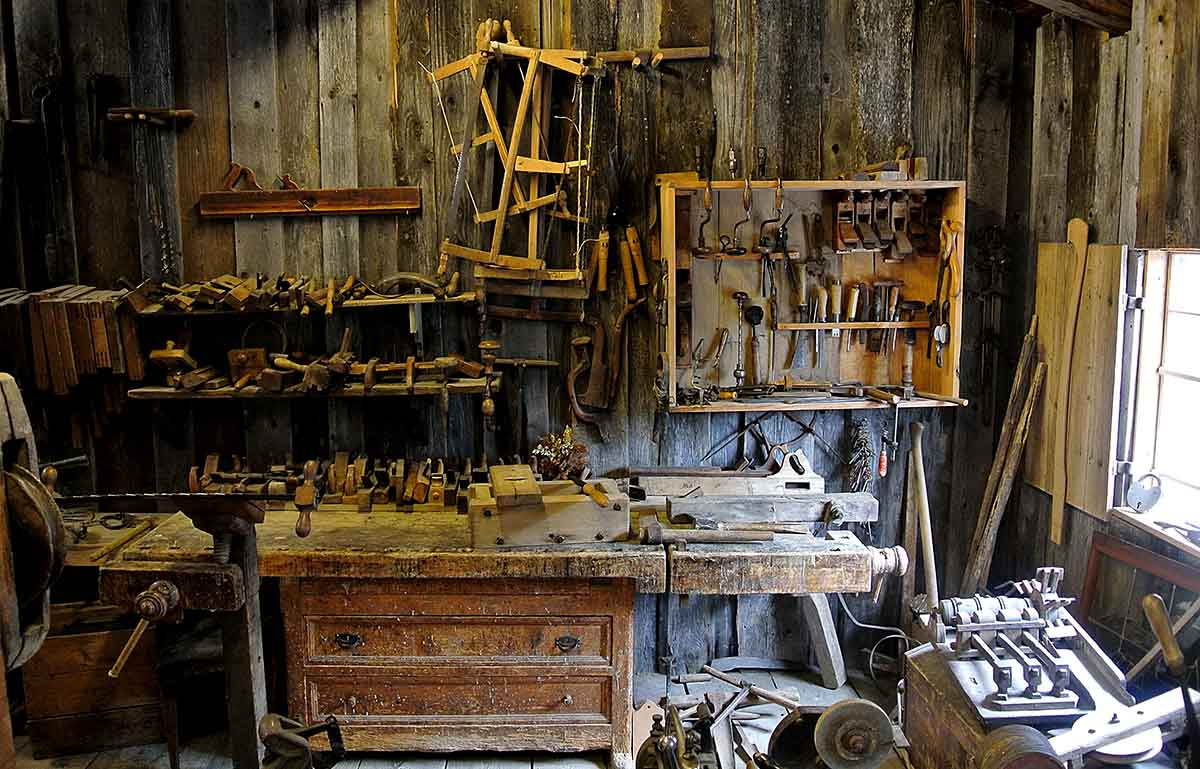 How to keep your workshop neat and orderly